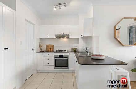 4-Kitchen.jpg