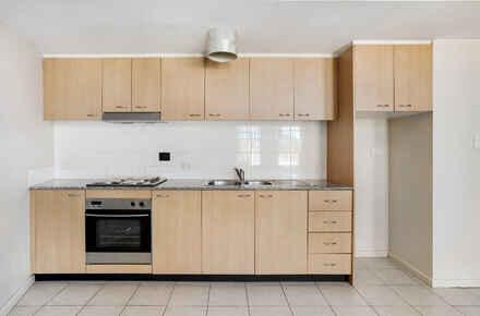 Phillip_Street_316_1 _Petersham - Kitchen.jpg
