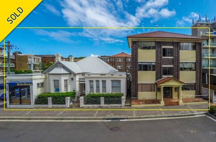 BUILDING FULL FRONTAL Highlighted - 13 April 2016 - 153-157 Anzac Parade Kensington (Paint) RS34078_original.jpg