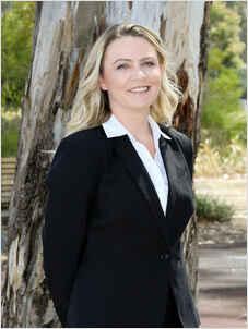 Amanda  Dawson