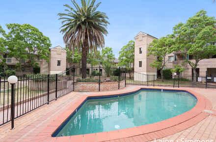 82@68 Macarthur Street, Parramatta pool.jpg