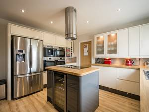 Fitting-out-a-modern-home-means-investing-in-all-the-latest-appliances_157_6059933_0_14111212_1000.jpg