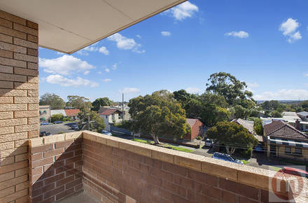 Macauley-St-10-96-Leichhardt-Balcony-Low.jpg