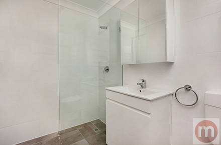Annandale-St-4-56-Annandale-Bathroom-Low.jpg