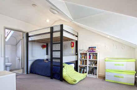 Drummoyne, Lyons Rd, 107-111, Unit 3 - Loft Bedroom-Ensuite - WEB.jpg